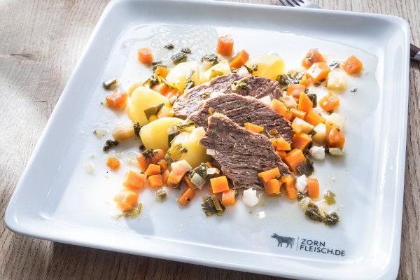 Siedfleisch mit Meerrettichsoße und Salzkartoffeln